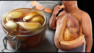 See What Happens When You Eat Garlic On Empty Stomach